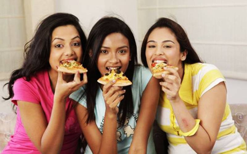 lifestyle, culture, food, foodie, love for food, food lover, Indian foods, Indian cuisine, Indian preparations, 10 traits of a foodie, how to identify a foodie, who is a foodie, foodie definition, characteristics of  foodie, Indian foodie, pseudo foodies, feeding trends, feeding, trends
