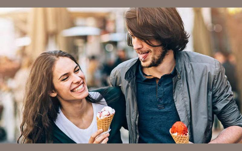interesting facts, zodiac facts, signs behaviour in love, love and signs, sings show liking, signs Horoscope, sun signs, sun sign predictions, loving feelings, affectionate behavior of sun signs
