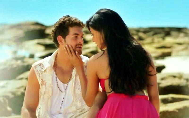 most senual bollywood songs, sexy bollywood songs, most sexy bollywood songs, sensual bollywood songs, hot bollywood songs, most hot bollywood songs, best sensual hindi songs, best hot hindi songs, best sexy hindi songs, intimate bolyywood songs, intimate hindi songs, kisses in hindi songs, kisses in bollywood songs, romance in bollywood, romantic bollywood songs, romance, love, couples, couple goals, Bollywood, Bollywood masala, Bollywood songs, top Bollywood songs, trending songs, monsoon hits, feeding trends