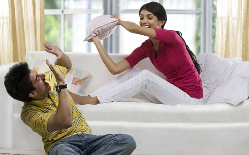 brother sister relationship, brother sister bond, brother sister rakhi, brother sister quotes, big brother quotes, little sister quotes, moments big brother, moments small sister, feeding trends