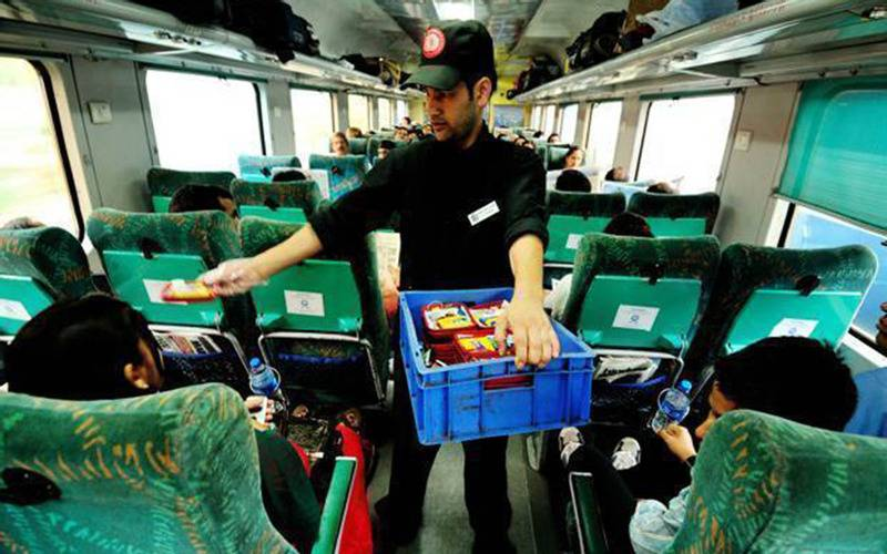 Travel, India, travelling by train, Indian railway system, Indian railways, train, rail budget, poor services by Indian railway, worst services by Indian railway, luxury trains India, Railways in India, train system India, problems with trains India, fare of Indian trains, tickets of train