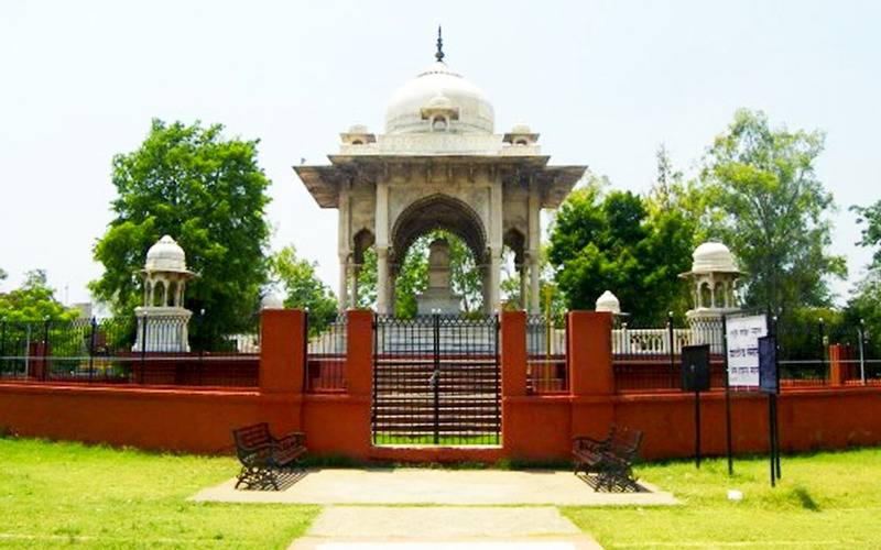 Tourist Attractions in Lucknow, Tourist Places in Lucknow, Lucknow Tourist Attractions, Lucknow Tourist Places, Lucknow Metro Stations near Tourist Places, Lucknow Metro Stations near Tourist Attractions, Metro Stations near Tourist Places in Lucknow, places to visit in Lucknow near metro stations